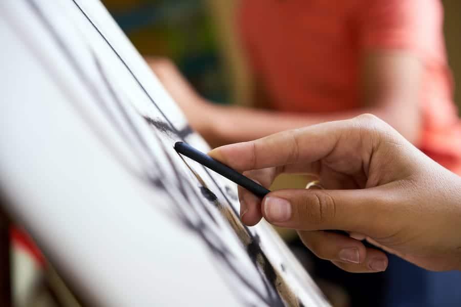 artist-sketching