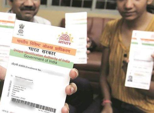 Aadhaar Case Becomes More Gripping: SC Asks UIDAI CEO To Prepare Presentation For Eliminating Aadhaar Misgivings