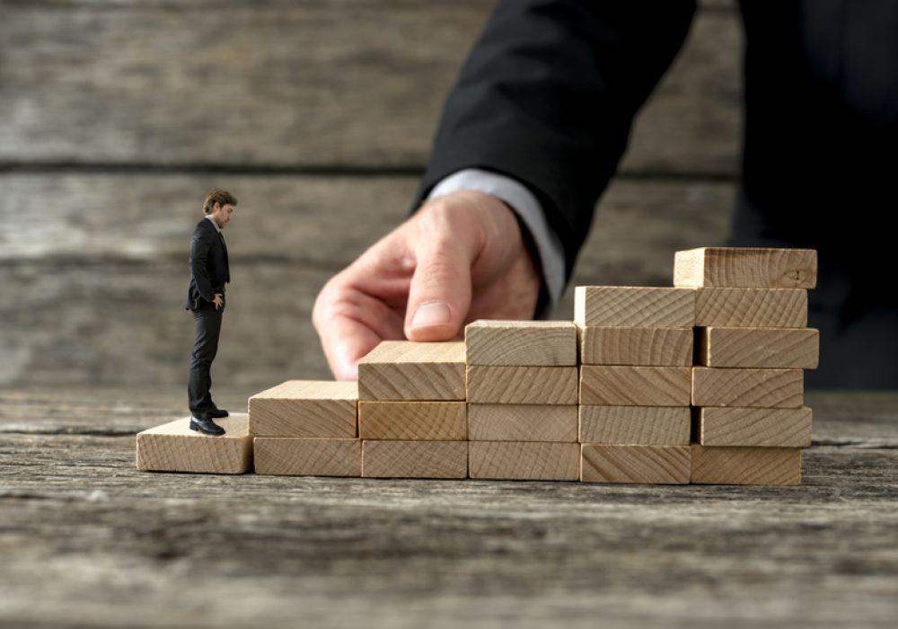 entrepreneurs-help-each-other
