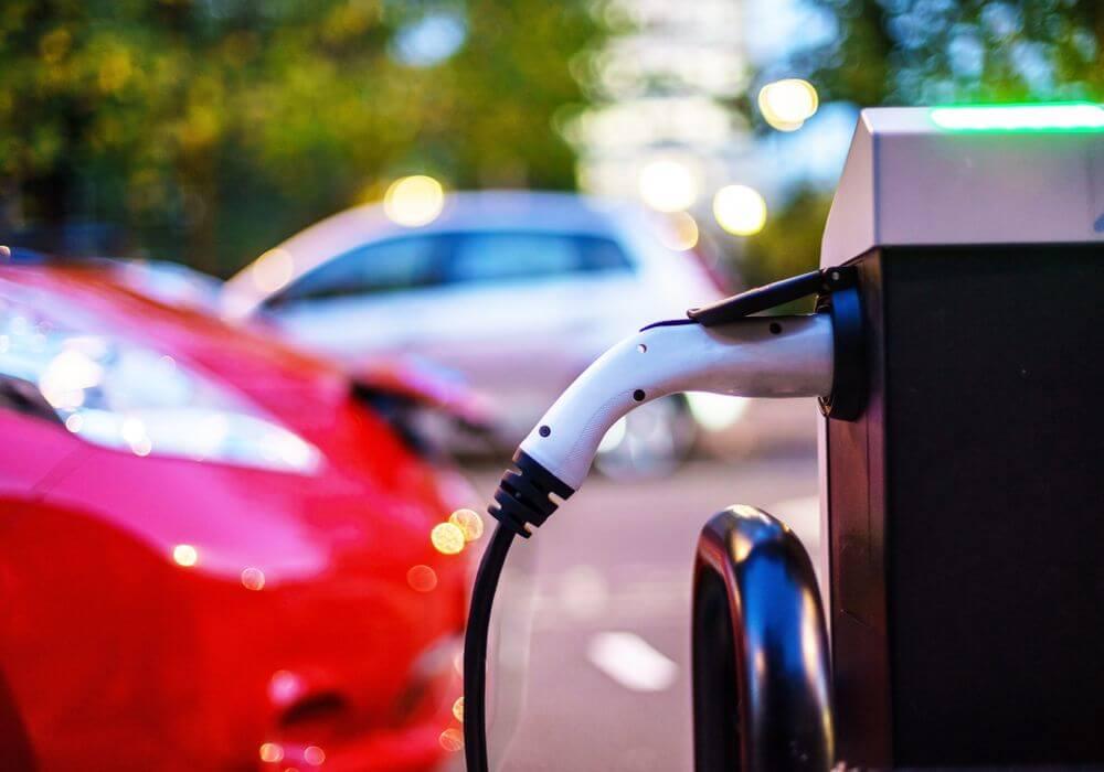 electric vehicles-nissan-jose roman