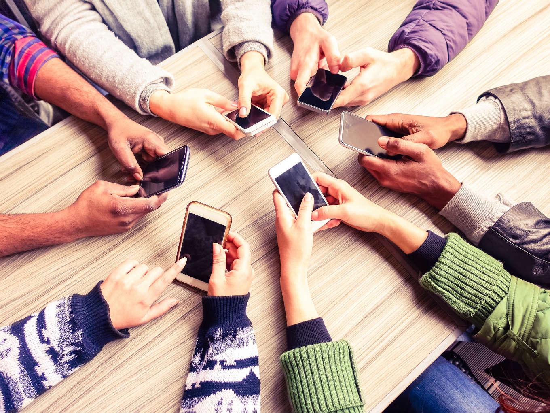 Festive Season Sale: Phone Retailers Challenge Predatory Online Pricing