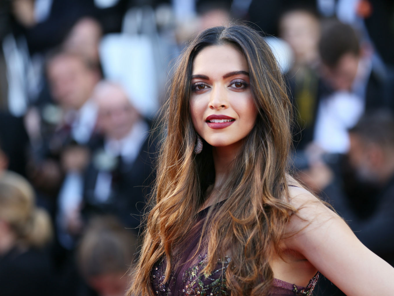 From Deepika Padukone To Arjun Kapoor: Bollywood Puts Its Money Behind Indian Startups