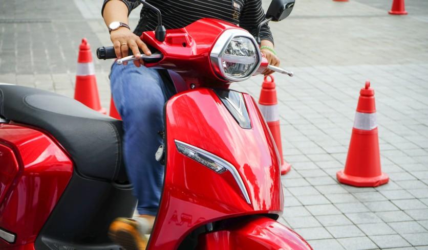 India's EV Push: NITI Aayog Hints At Heavier Taxes On Petrol, Diesel Vehicles