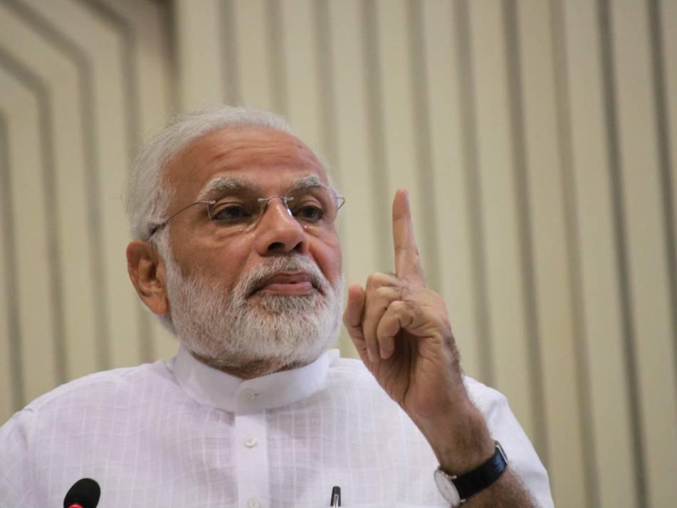 Modi 2.0 Cabinet Ministers Embrace Twitter, Facebook Enmasse