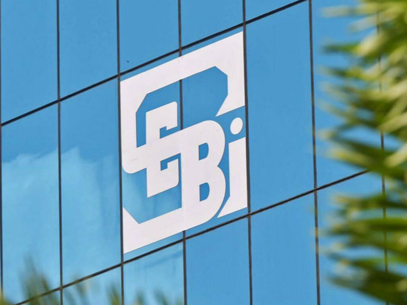 SEBI's Latest RulingAmazon Asks SEBI, BSE, NSE To Note SIAC Ruling On Future-RIL Deal Leaves Foreign Investors In A Lurch