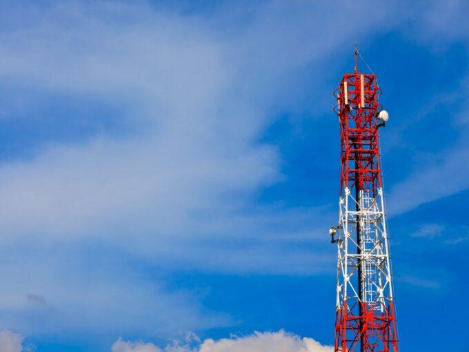 Govt Officials Urge TRAI To Fix Floor Tariffs Soon To Restore Viability Of Telecom Sector