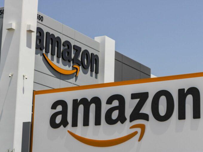Amazon Takes Future Group To Singapore Arbitration Forum Over Reliance Retail Deal