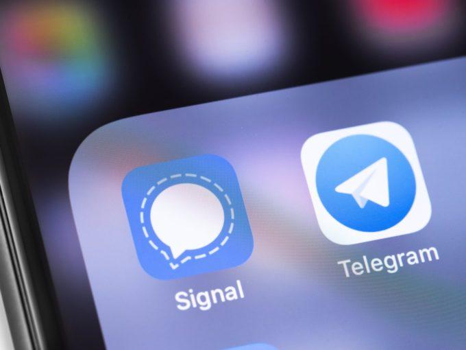 Signal, Telegram Record 4 Mn Downloads In India As WhatsApp Falls