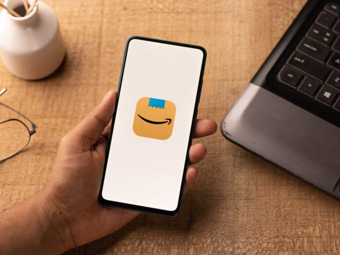 More Trouble For Amazon India As Delivery Workers Threaten Strike