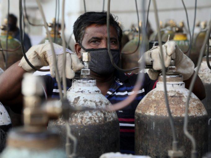 Paytm To Set Up Oxygen Plants In 13 Hospitals; Donates 21K Concentrators