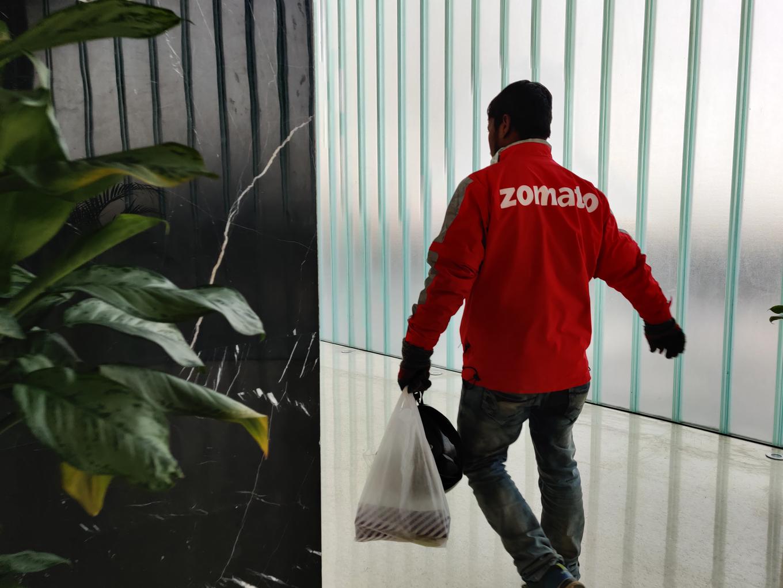 Big Bull Of Stock Markets Jhunjhunwala Questions The Zomato Hype