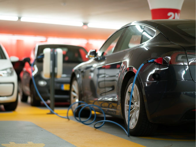 Centre Mulls Cutting Import Tax on Electric Vehicles